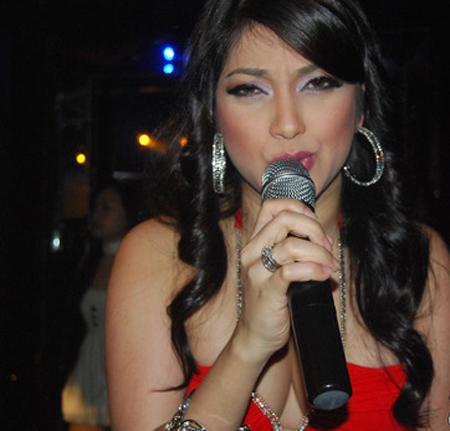 sarah-azhari-hot5